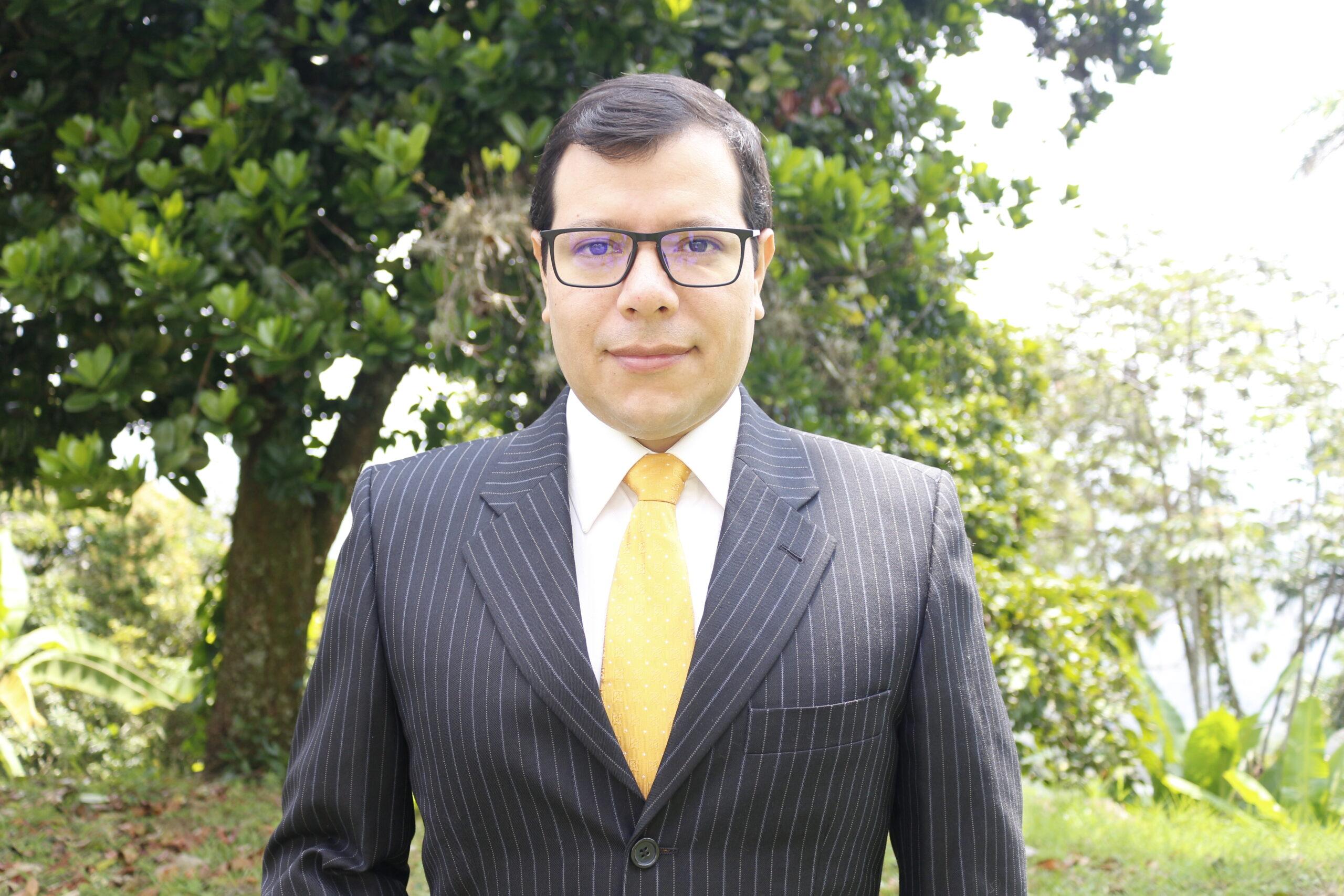 8. Carlos