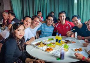 Red profesional latinoamericana ofrece cupones de alimentos gratis a estudiantes internacionales en Australia